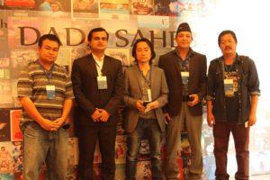 दादासाहेब फाल्के अन्तर्राष्टिय चलचित्र महोत्सवमा सहभागी 'देश खोज्दै जाँदा' चलचित्र समूह (सौजन्यः 'देश खोज्दै जाँदा' परिवार)